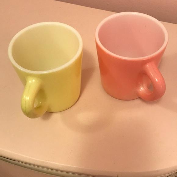 🌻Vtg Mid Century Coffee Mugs Set of 2